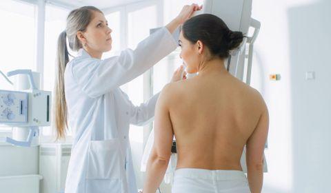 Dépistage du cancer du sein : la mammographie 3D bientôt intégrée ?