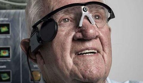première implantation d'un oeil bionique chez un patient atteint de DMLA