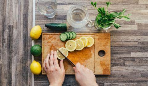 Pourquoi il ne faut pas manipuler des citrons en plein soleil