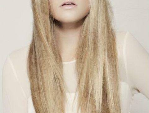 Coiffure Cheveux Longs 2020 Le Top Des Modeles De Coupes Pour Les Cheveux Longs Doctissimo