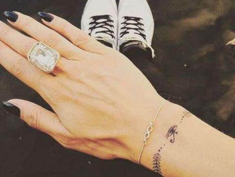 Tatouage Discret Plus De 75 Idees De Petits Tatouages Femmes