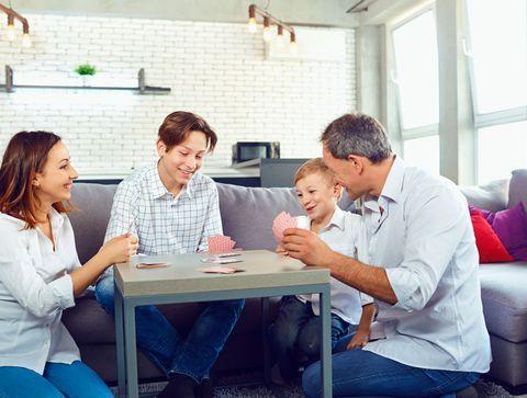 Confinement : notre sélection de jeux et activités à faire à la maison avec ses enfants pendant les vacances