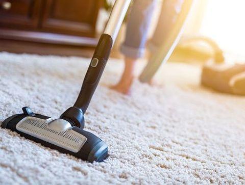 A quelle fréquence laver ses tapis ?  -  Quelle routine d'entretien pour le linge de maison ?