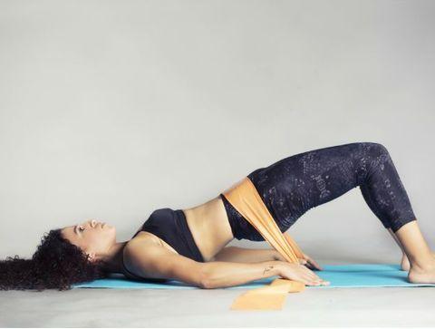 Elastique Musculation On Dit Au Revoir A La Culotte De Cheval En Travaillant Les Adducteurs 10 Exercices A Faire Avec Un Elastique
