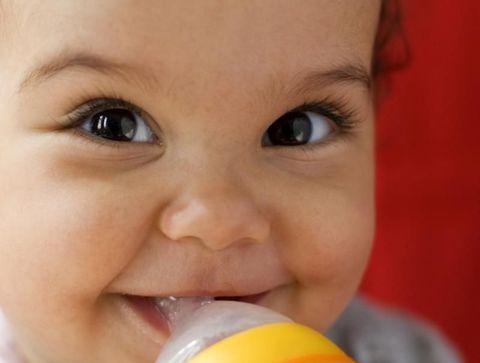 Lait deuxième âge : de 6 mois à 1 an - Les laits pour bébé au banc d'essai