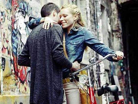 Rencontre : décodez les gestes amoureux