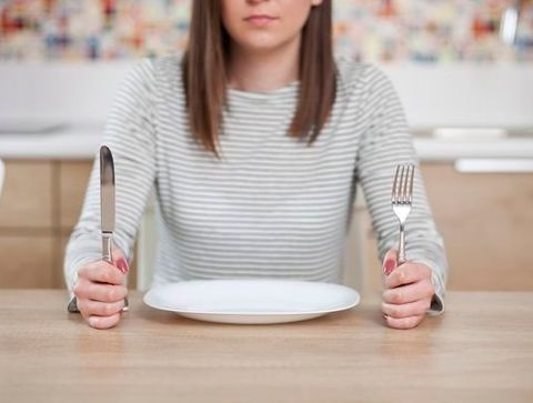 Ne pas jeûner, ni trop manger - 10 astuces pour s'endormir plus vite