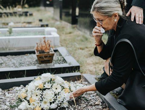 Arrivez-vous à surmonter la perte d'un de vos proches ?