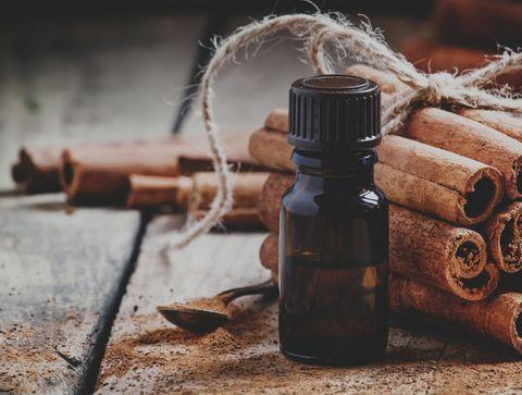De l'huile essentielle de cannelle de Ceylan  - Défenses immunitaires : 10 remèdes pour les renforcer naturellement