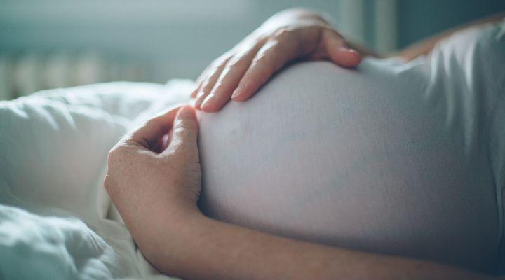 Coronavirus : Se préparer à accoucher sans la présence de son conjoint
