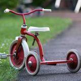 Choisir un tricycle évolutif pour enfant : comparatif des modèles et nos conseils
