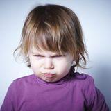 Mon enfant me tape : comment réagir ?