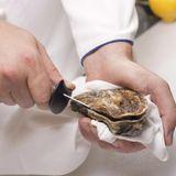 Ouvrir les huîtres en 4 étapes