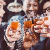 Initier son ado à l'alcool est risqué