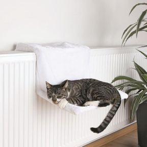 Un hamac de radiateur pour chat