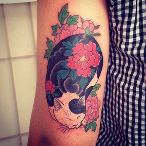 Tatouage chat inspiration japonaise