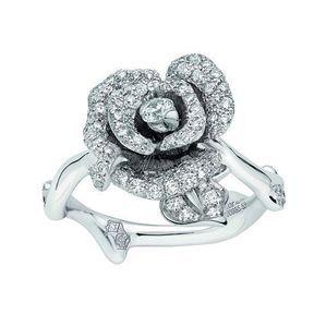 Bague de fiançailles or blanc et diamants Dior