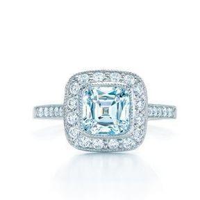 Bague de fiançailles or blanc et diamants Tiffany
