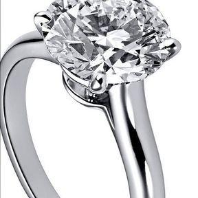 Bague de fiançailles platine et diamants Cartier