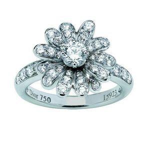 Bague fiançailles or blanc et diamants Dior