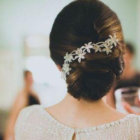 Bijou de cheveux fleurs argentées
