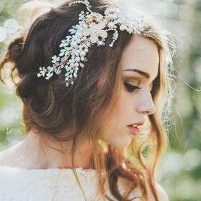 Bijou de cheveux fleurs et perles