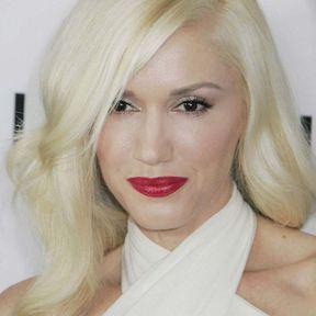 Couleur cheveux blond platine Gwen Stefani