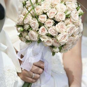 Bouquet mariée rond roses