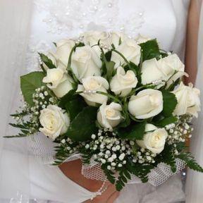Bouquet mariée roses blanches