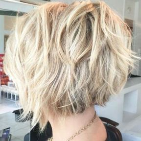 Coupe de cheveux degrade plongeant
