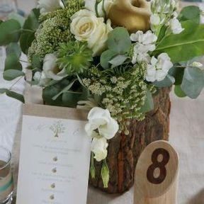 Centre de table de mariage fleuri