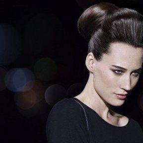 Coiffure cheveux attachés @ Lucie Saint Clair
