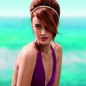 Coiffure cheveux attachés printemps-été 2015 @ Camille Albane