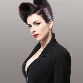 Coiffure cheveux attachés @ Vania Laporte pour L'Oréal Professionnel