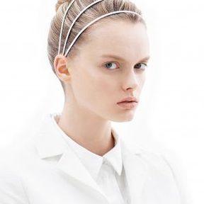 Modèle de coiffure cheveux attachés 2013 @ Laurent Decreton