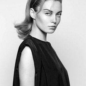 Modèle de coiffure cheveux attachés automne hiver 2014 © Vania Laporte