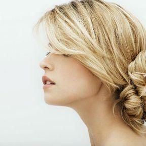 Modèles de coiffure cheveux attachés printemps été 2014 @ Franck Provost
