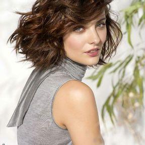 Coupe de cheveux boucles degrade