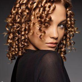 Modèle de coiffure cheveux crépus @ Niwel