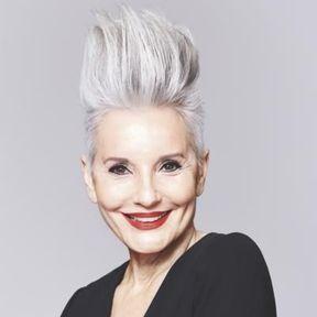 coupe de cheveux gris court femme
