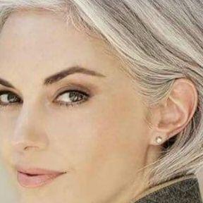 Cheveux gris naturels