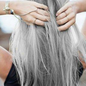 Cheveux gris rétro