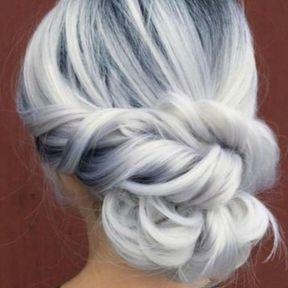 Coiffure sur cheveux gris