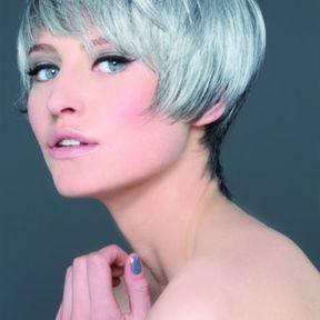 coupe au carre pour cheveux gris