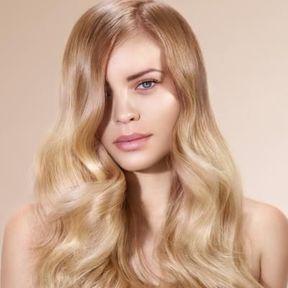 Cheveux ondulés blonds printemps été 2016 Intermède