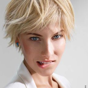 Coiffure cheveux avec frange printemps-été 2015 @ Intermede