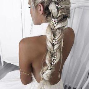 Cheveux longs natte
