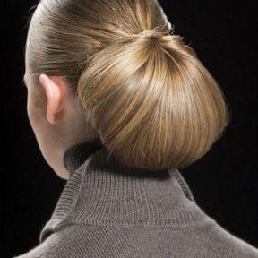Chignon bas sur cheveux longs