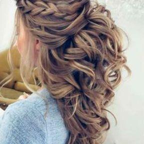 Coiffure de soirée cheveux longs