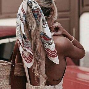 Les cheveux accessoirisés